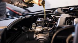 Change Oil in Car Motor